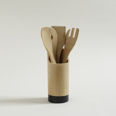 SET X 4 UTENSILIOS Y HOLDER DE BAMBOO BASE NEGRA 22 X 9 CM