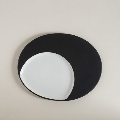 COPETINERO OVAL  DE CERAMICA BLACK  WHITE 30,5 X 24 CM