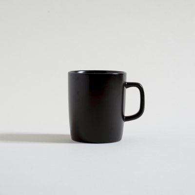 MUG NEGRO SATINADO INTERIOR BLANCO 380 ML