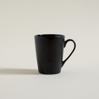 MUG  CONICO NEGRO SATINADO INTERIOR BRILLANTE 370 ML
