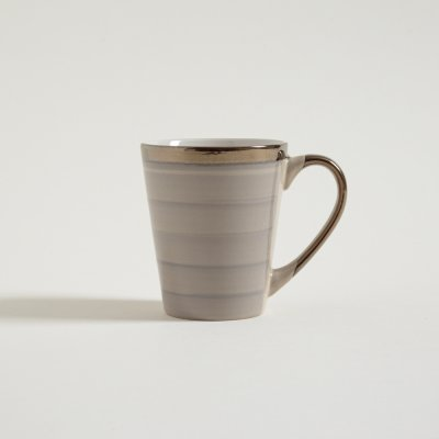 JARRO MUG STRIPES BEIGE CON BORDE Y MANIJA DORADAS 380 ML